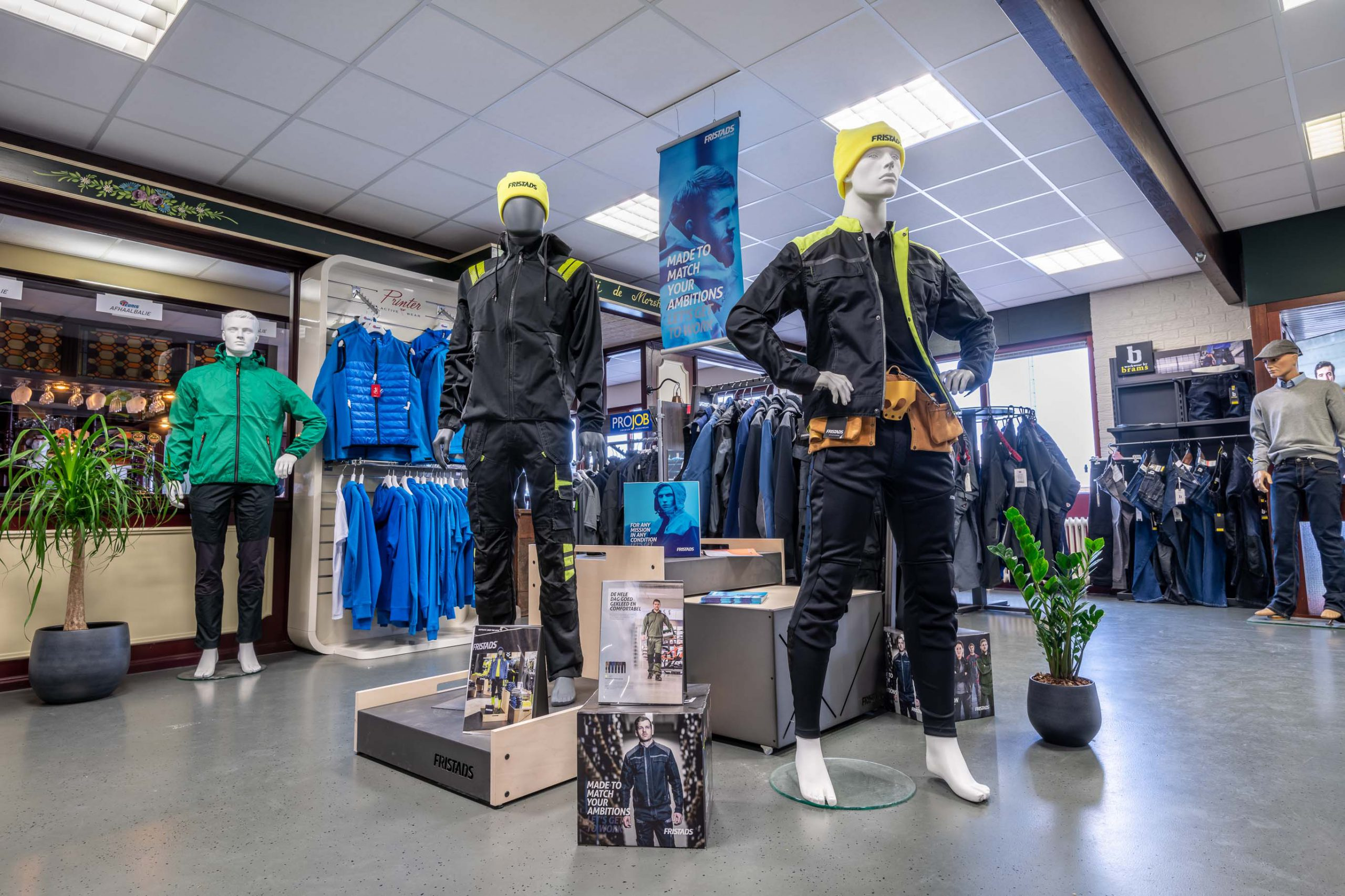 fristads werkkleding in showroom